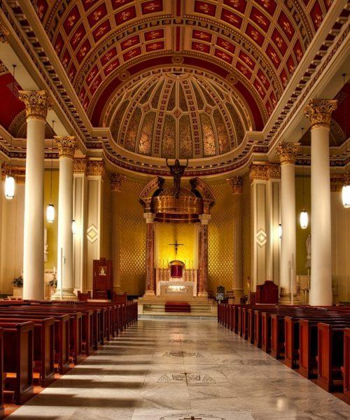 aisle-altar-arch-208277-min (1)